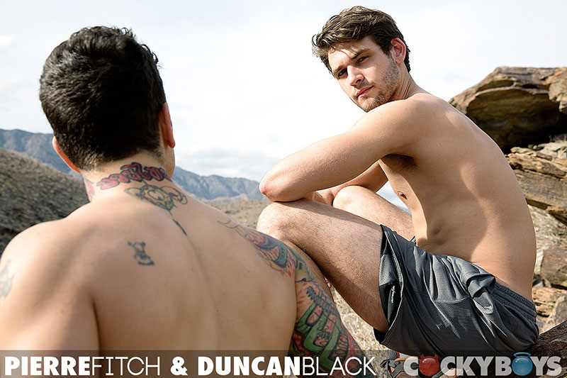 Boys Next Door Pierre Fitch Drills Duncan Black Photo 4