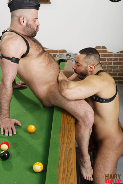 boysnextdoor-bareback-hairy-raw-3way--01