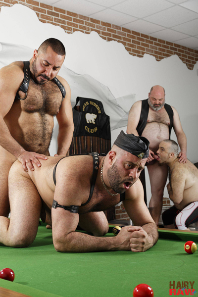 boysnextdoor-bareback-hairy-raw-3way--11