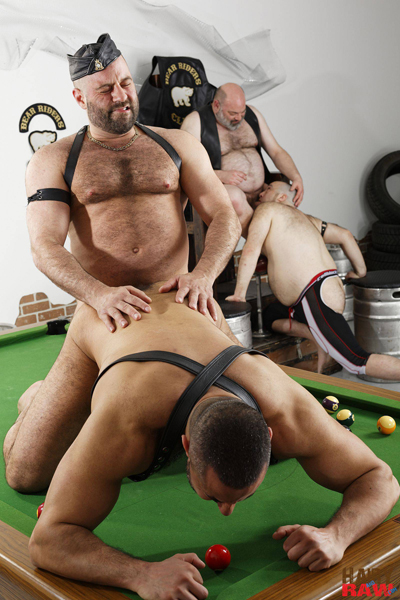 boysnextdoor-bareback-hairy-raw-3way--12
